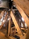 Erneuerte Streben aus Eiche im Glockenstuhl. (Bild: 2/5)